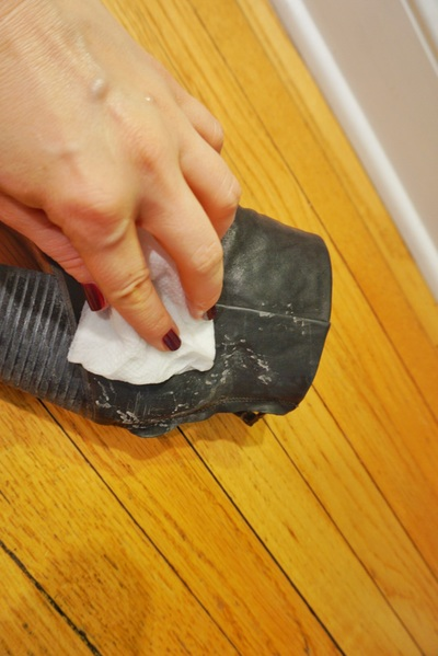 How To Remove Salt Stains From Black Shoes